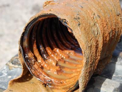 Ocre ferreuse dans un tuyau