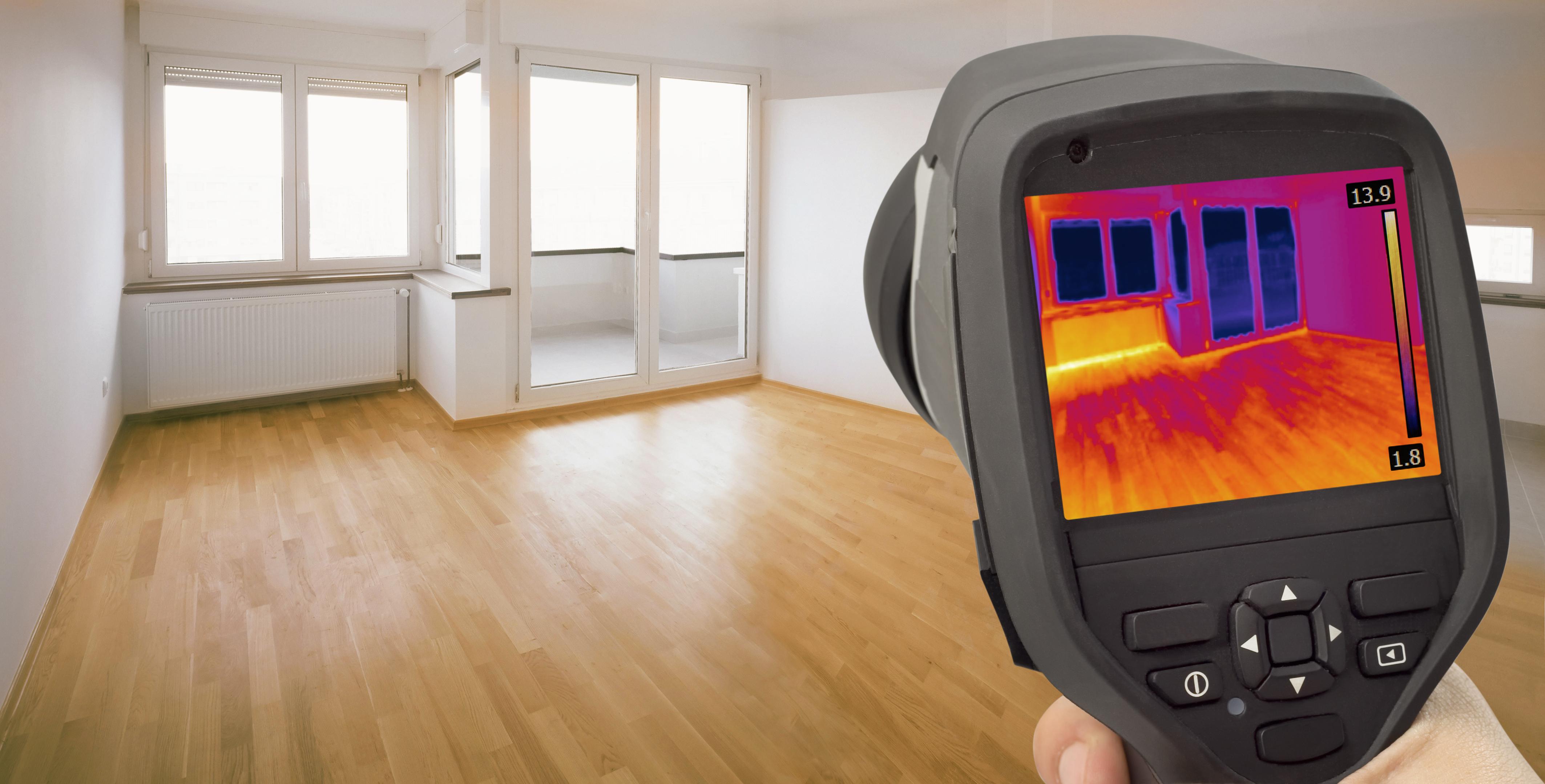 Détecteur de fuites de chaleur autour des fenêtres par infrarouge